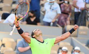 Roland Garros: Nadal avança sem problemas para os 'quartos'