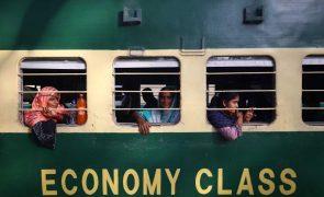 Sobe para 51 número de mortos em colisão de comboios no Paquistão