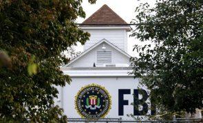 Nova aplicação móvel do FBI por detrás de operação mundial que fez 800 detenções