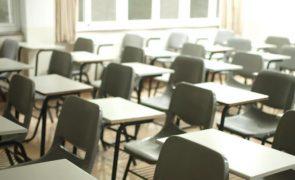 Escola suspende agressora envolvida no atropelamento de jovem