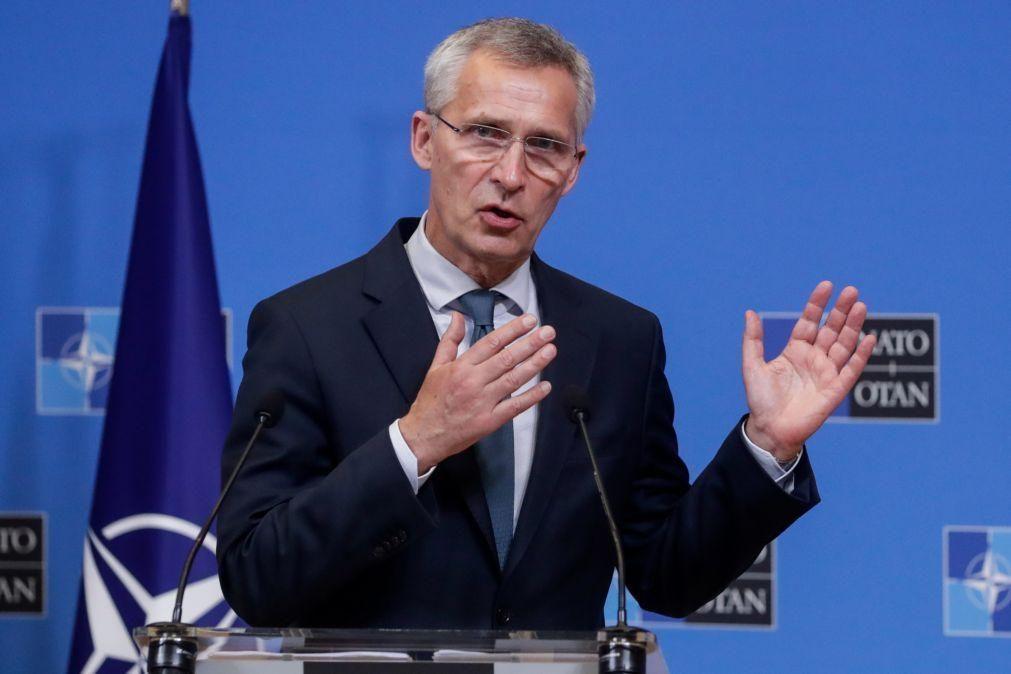 Secretário-geral da NATO considera perigosa aproximação entre Moscovo e Pequim