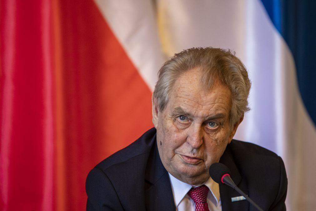 Bielorrússia: Presidente checo apoia oposição ao