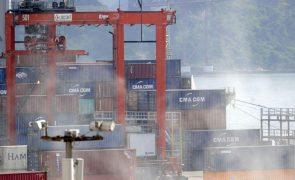 Exportações e importações de bens disparam 82,4% e 60,4% em abril em termos homólogos