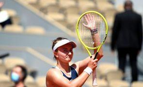 Barbora Krejcikova bate Coco Gauff e estreia-se nas meias-finais de Roland Garros