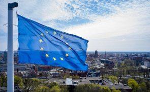 Confiança na UE desce na pandemia mas há sólido apoio à continuação do bloco