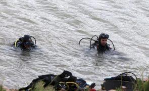 Mergulhadores procuram jovem desaparecido no rio Tua em Mirandela