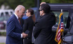 Primeira viagem de Biden começa no Reino Unido para relançar