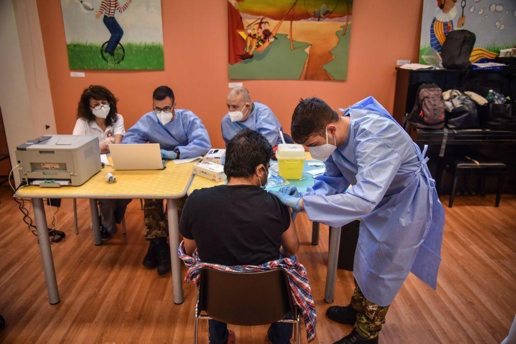 Mais de metade dos adultos da União Europeia já receberam uma dose de vacina