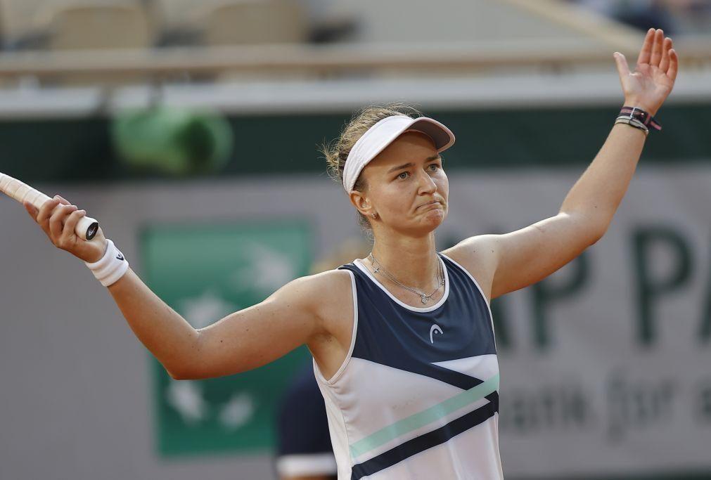 Roland Garros: Barbora Krejcikova impõe-se a Sakkari e joga a final em Paris
