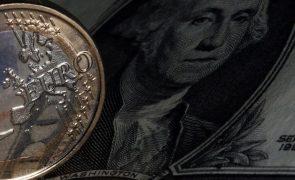 Euro recua face ao dólar para nível mais baixo desde meados de maio