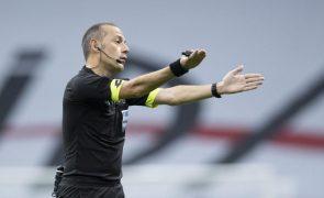 Euro2020: Turco Cuneyt Çakir volta a dirigir encontro de estreia de Portugal