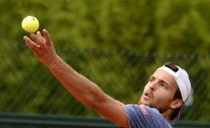 João Sousa fica à 'porta' do quadro principal do ATP 500 de Halle