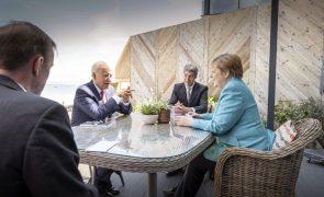 G7: Líderes prometem milhões de vacinas mas evitam apoio claro a suspensão de patentes
