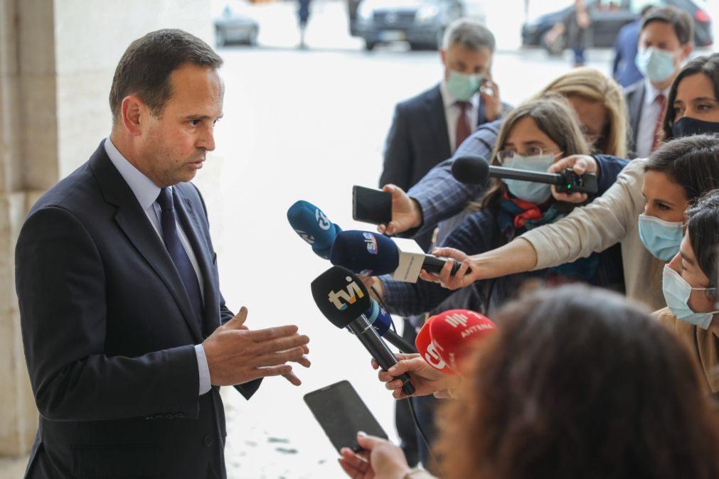 Fernando Medina promete responder aos ataques quando apresentar auditoria