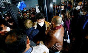 Centro-esquerda vence eleições regionais no Chile e conquista capital
