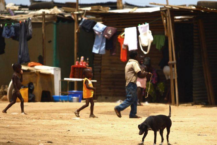 Associação quer pulseira eletrónica para dar liberdade a crianças autistas angolanas
