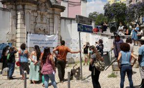 Bolseiros de investigação científica protestam pelo prolongamento das bolsas