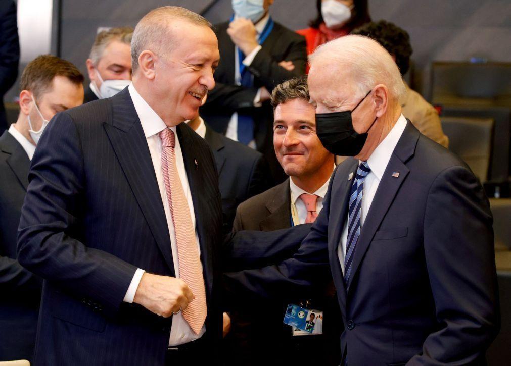 Erdogan diz que cimeira bilateral com Biden foi