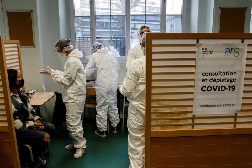 Covid-19: França regista 63 mortos e mantém internamentos hospitalares baixos