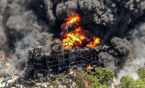 Explosão nos EUA obriga a retirada de centenas de pessoas [vídeo]