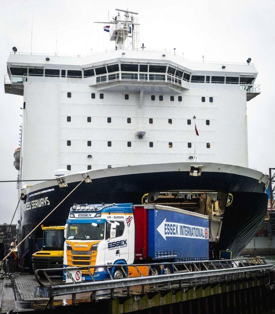 Reino Unido e Austrália concluem acordo de comércio livre