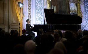 Pianistas Maria João Pires e Júlio Resende juntos no novo projeto