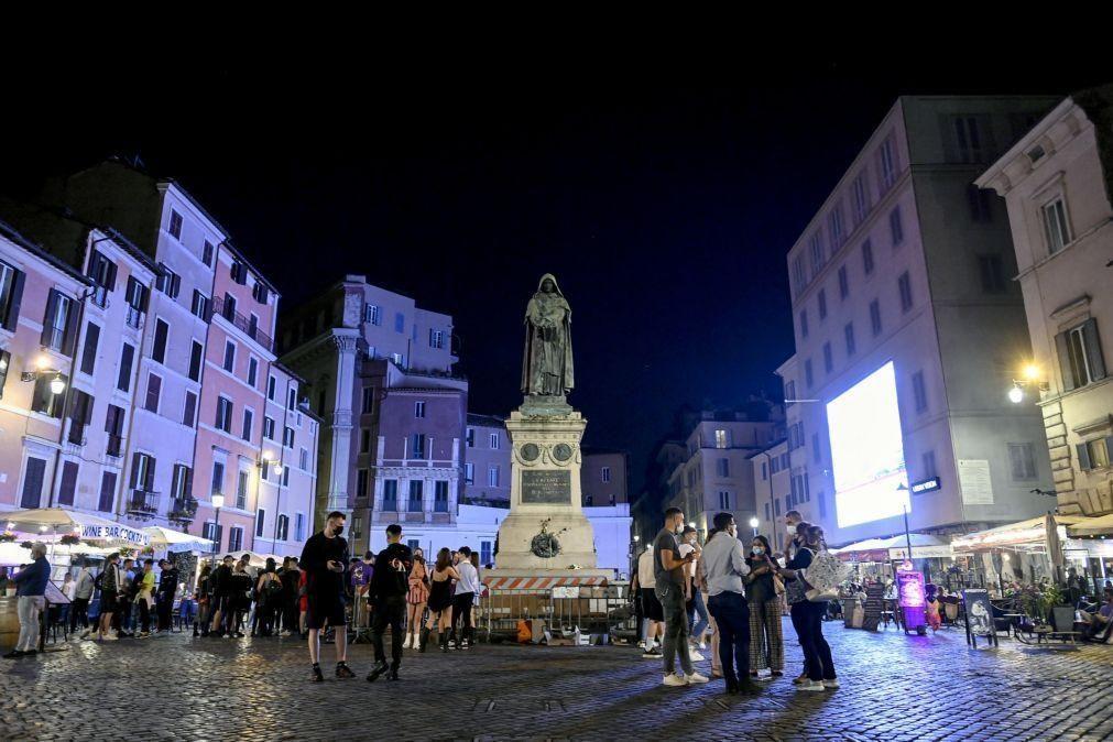 Covid-19: Itália regista forte descida de atualmente positivos e mínimos de novos casos