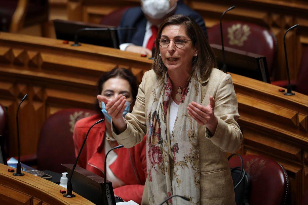 PS acusa Rio de não ter ideias e diz que PSD sem agenda permite aos extremos crescer