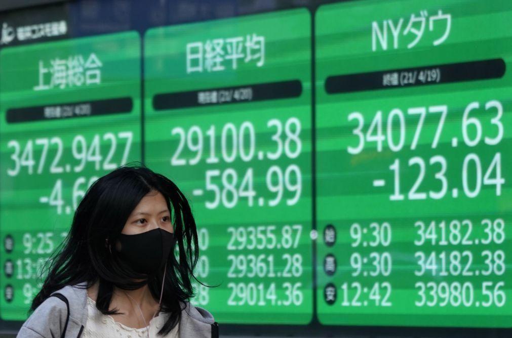 Bolsa de Xangai encerra a cair 1,07%