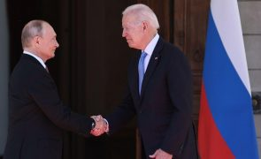 Putin manifesta a Biden o desejo de uma cimeira