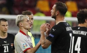 Euro2020: UEFA pune austríaco Marko Arnautovic com um jogo de suspensão