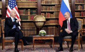Cimeira entre Biden e Putin termina mais cedo do que previsto