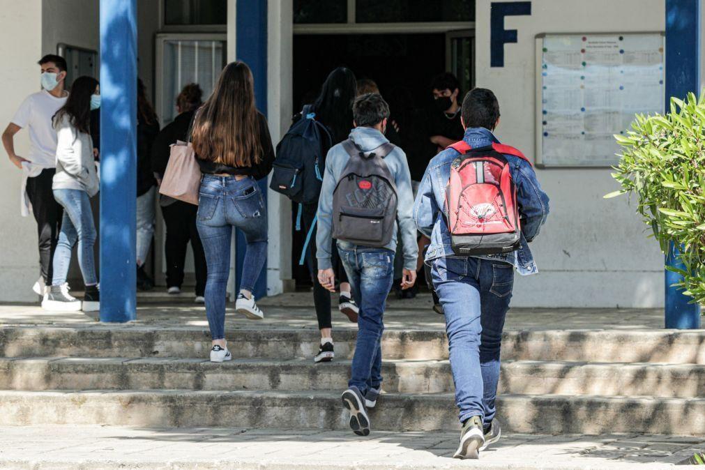 Covid-19: Fenprof diz que faltam medidas concretas no plano para recuperar aprendizagens
