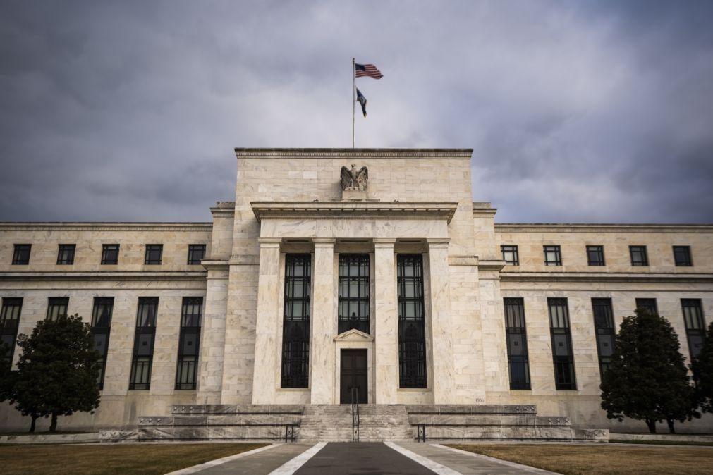 Reserva Federal dos EUA mantém taxas de juro mas prevê primeira subida em 2023