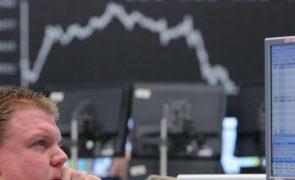 Bolsa de Tóquio abre a perder 1,05%