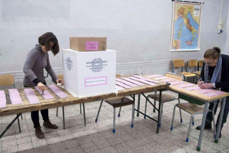 Iniciada votação em Itália no referendo sobre reforma constitucional