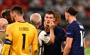 Euro2020: UEFA diz que médico de França agiu em conformidade e que Pavard não desmaiou