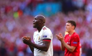 Euro2020: Dinamarca-Bélgica parou ao minuto 10 para homenagear Eriksen