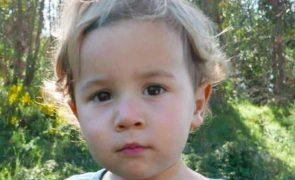Noah Menino de dois anos encontrado vivo