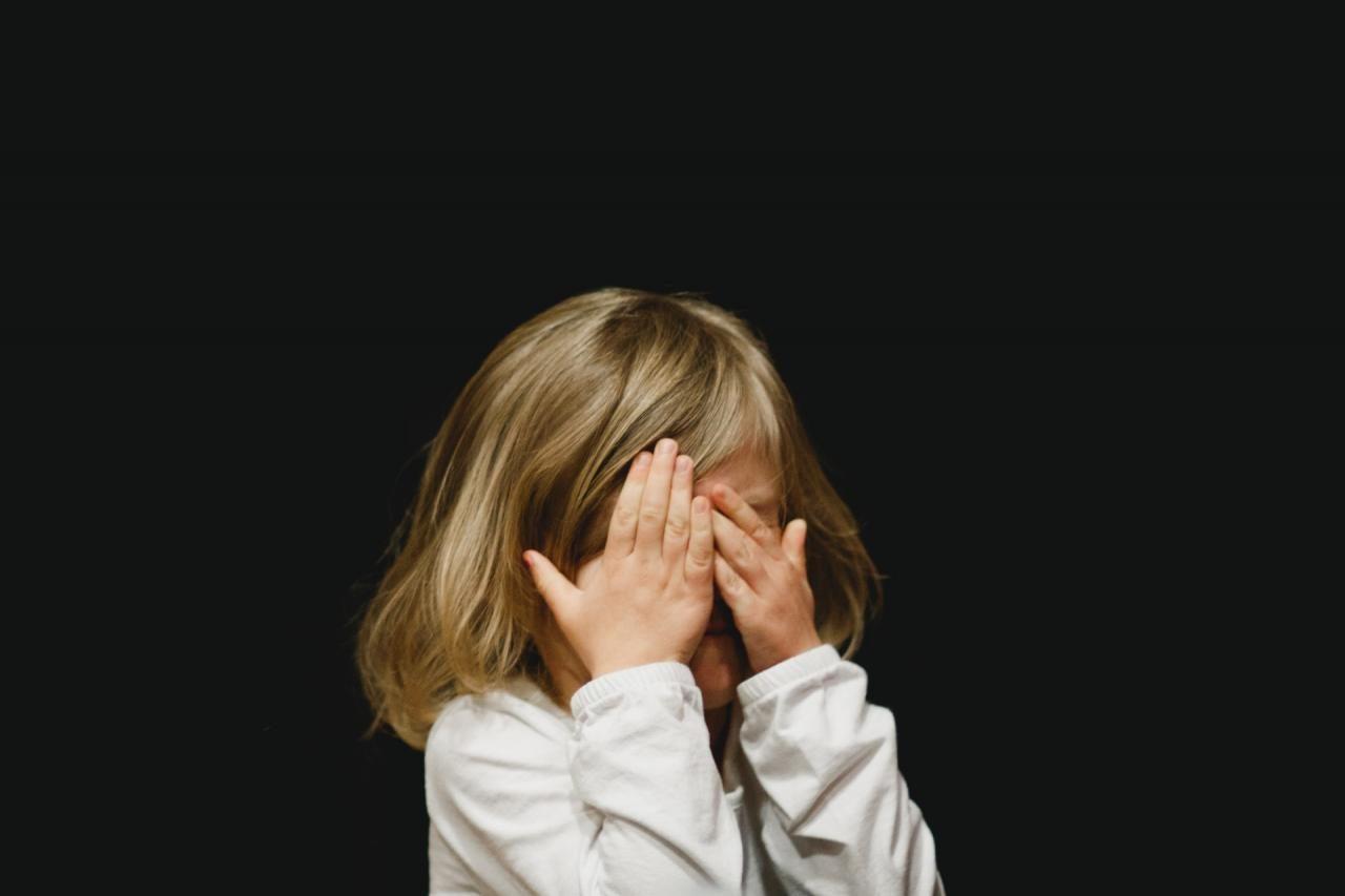 Mulher presa por violar sobrinha de dez anos nos Açores