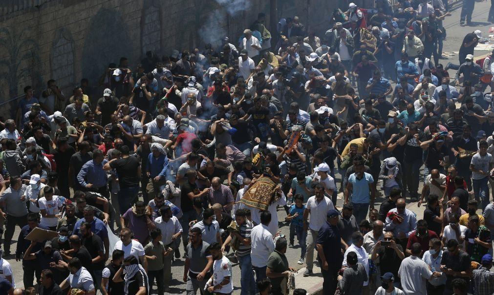 Mais de 380 palestinianos feridos em confrontos com tropas israelitas na Cisjordânia