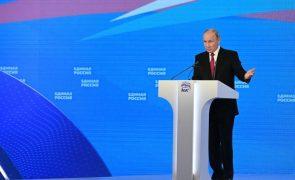 Putin promete milhares de milhões de rublos antes das eleições de setembro