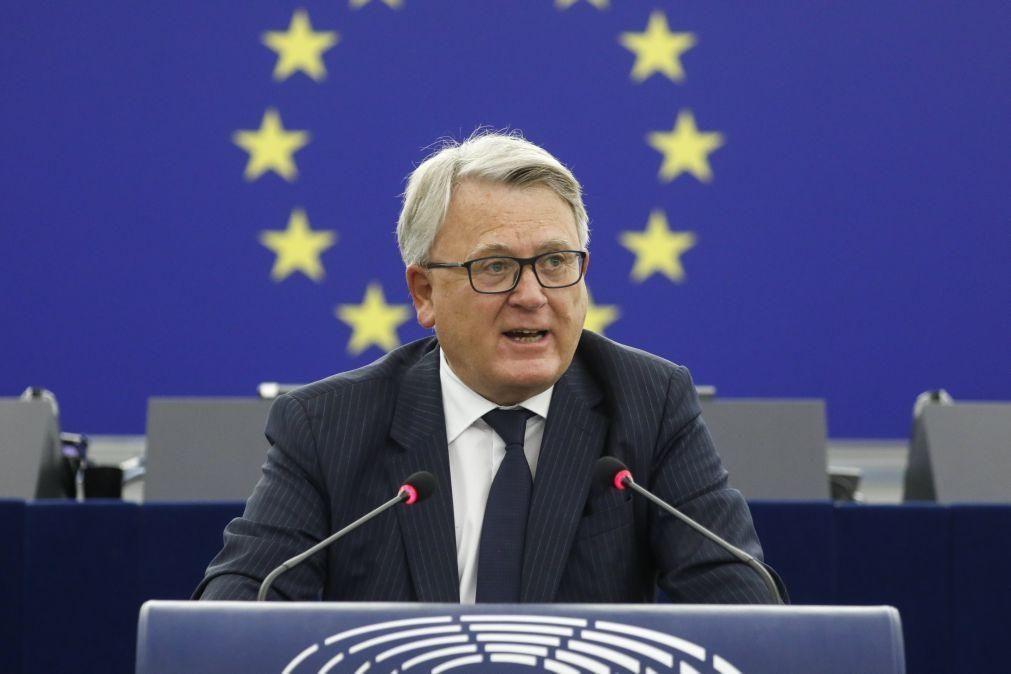UE/Presidência: Comissário europeu destaca