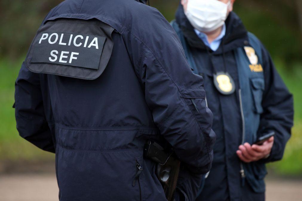 SEF identifica 10 pessoas em situação irregular em exploração agrícola de Estremoz