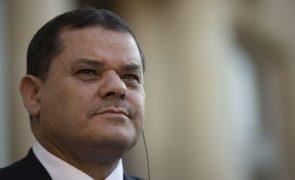 Primeiro-ministro líbio saúda reabertura de estrada que conduz à paz