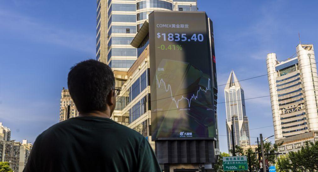 Bolsa de Xangai abre a cair 0,27%