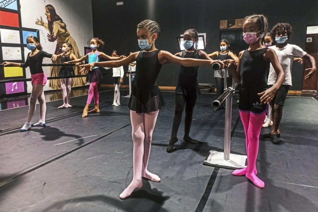Apoio português leva ballet clássico a crianças cabo-verdianas no Mindelo