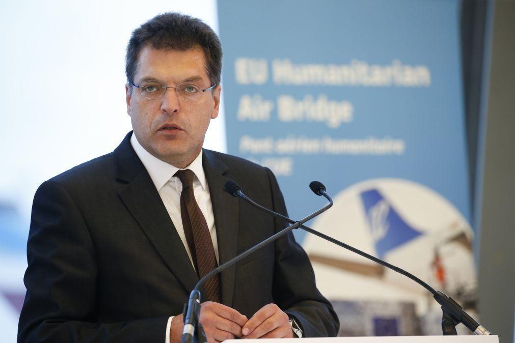 Incêndios: Bruxelas reforça frota europeia com de 11 aviões e seis helicópteros nos países