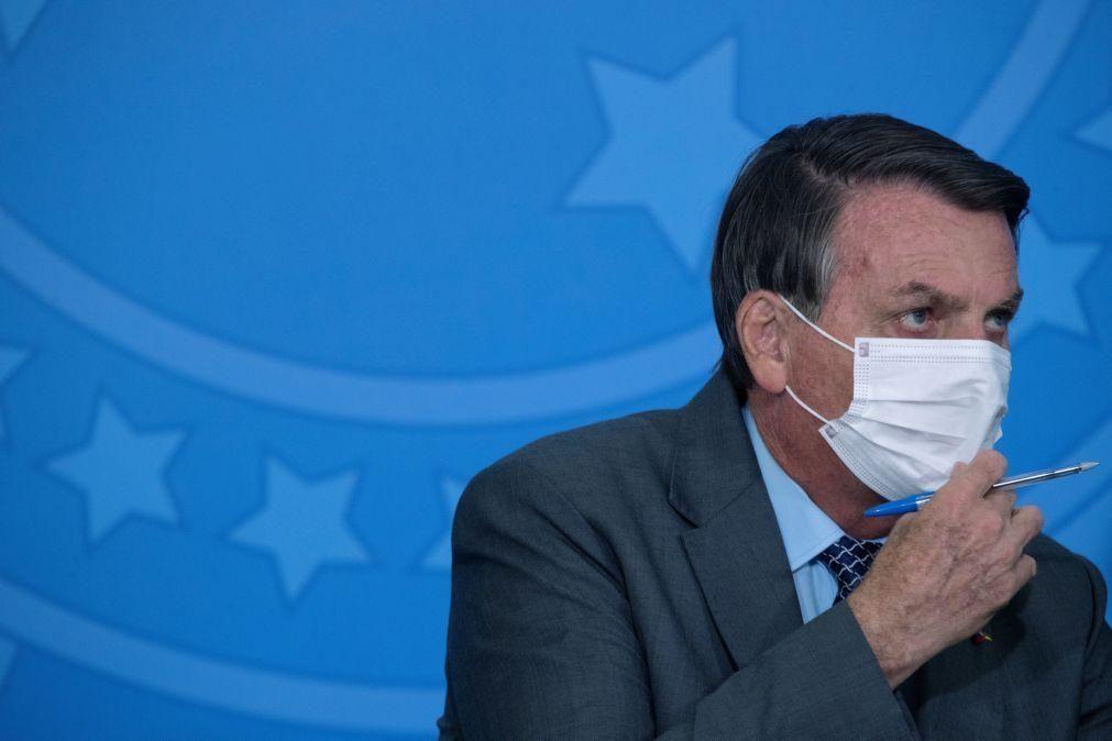 Covid-19: Bolsonaro em silêncio sobre 500 mil mortos na pandemia