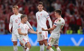 Euro2020: Dinamarca qualifica-se para os 'oitavos' e 'reboca' Suíça